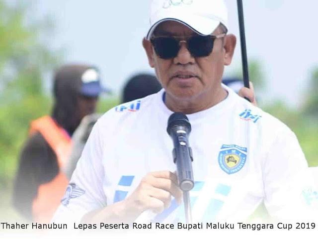 Thaher Hanubun  Lepas Peserta Road Race Bupati Maluku Tenggara Cup 2019
