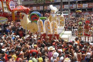 http://mundoestranho.abril.com.br/cultura/qual-e-a-origem-do-carnaval/
