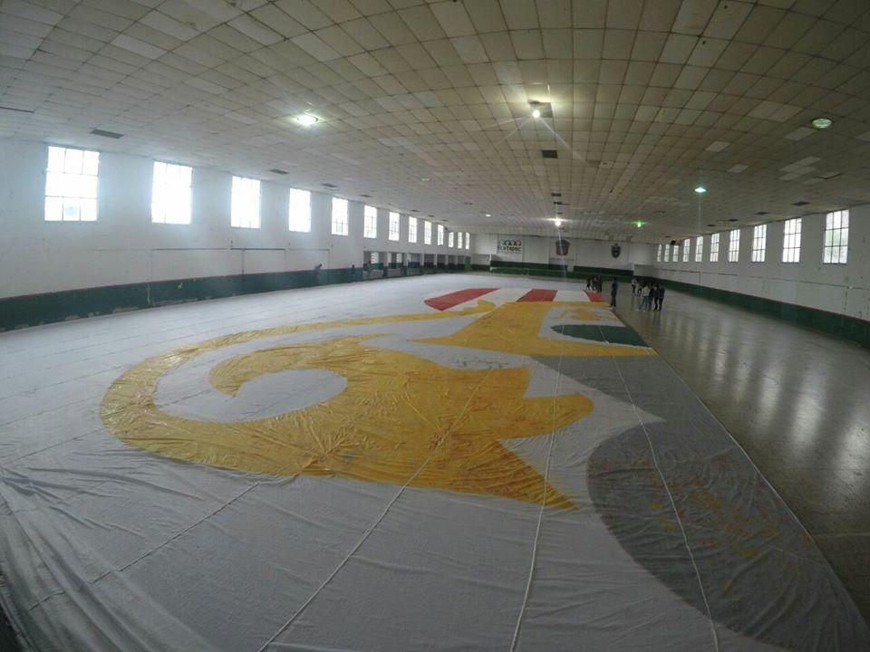 La creación de la bandera más grande de México.