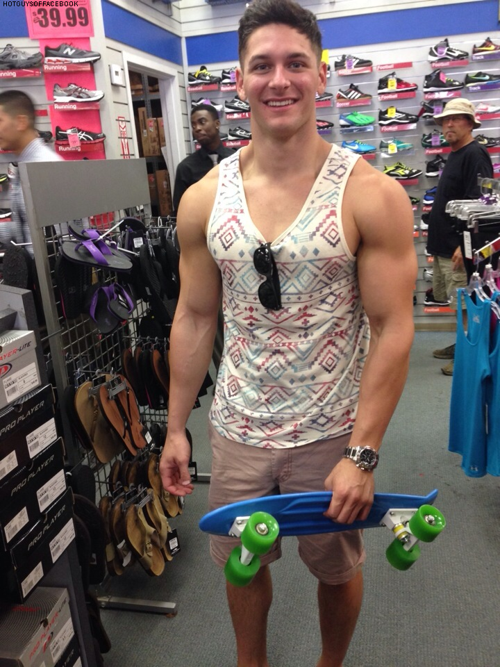 cool-dude-with-enormous-biceps-shopping