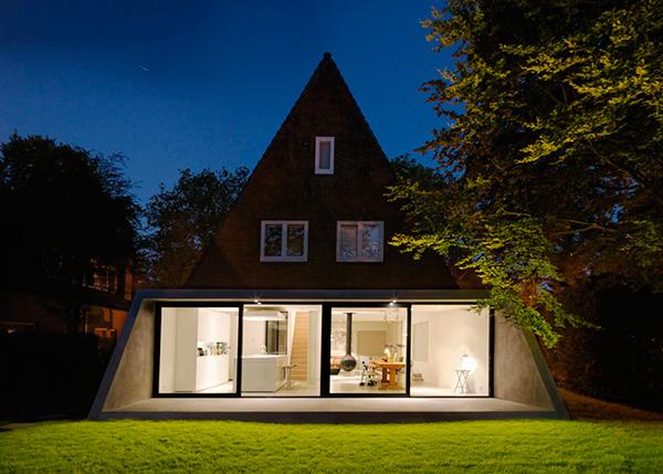 Hogares frescos casa de ladrillo triangular en el norte for Arquitectura holandesa