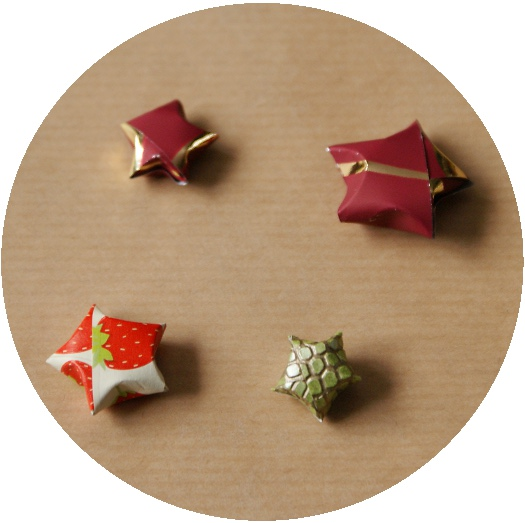 Origami Lucky Star Phone Charm by tiranaki on DeviantArt | 523x525
