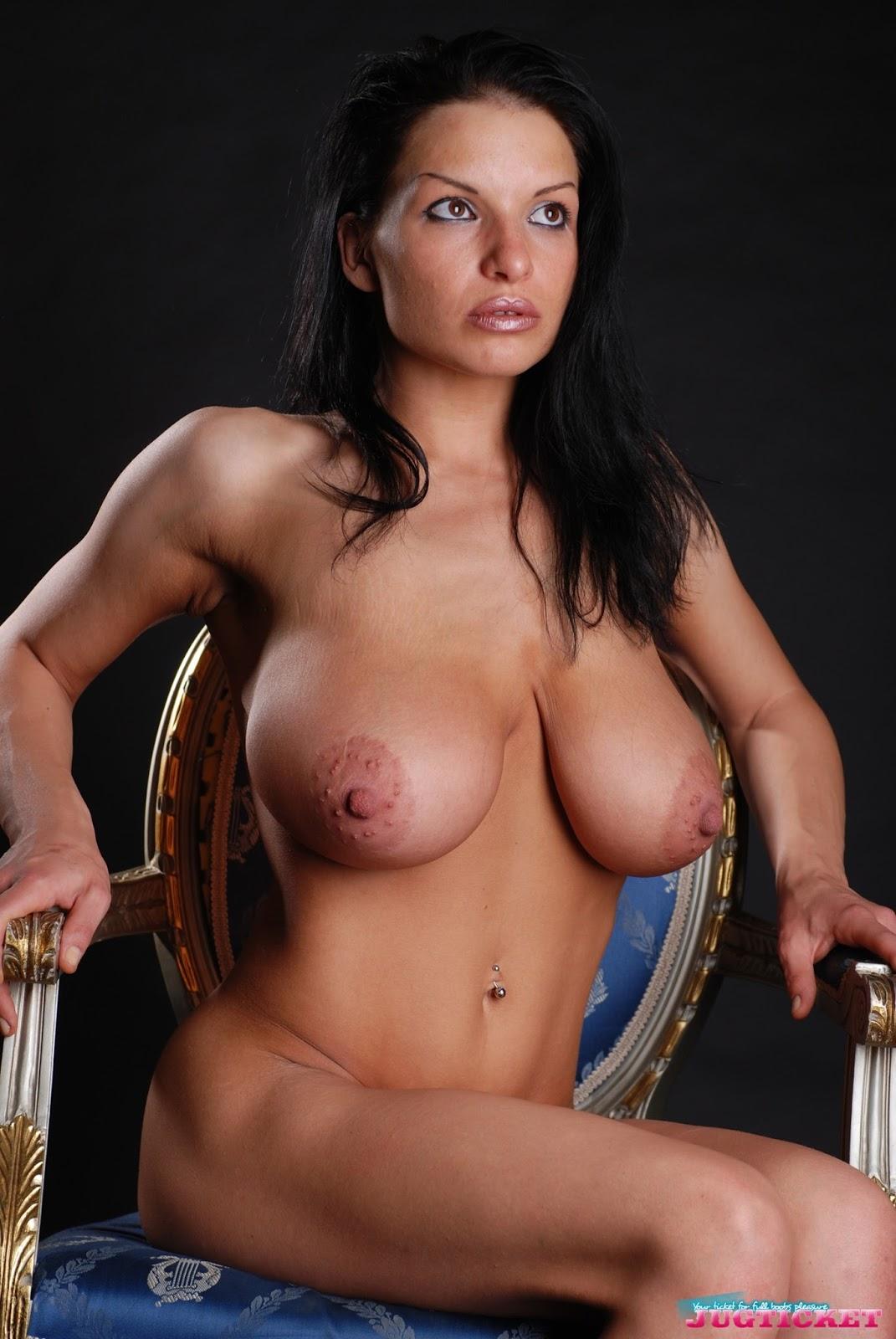 Качественные фотографии голых статных женщин — img 6