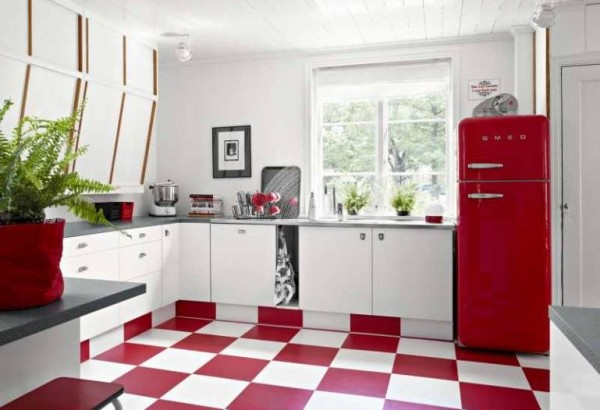 Red and white kitchen 1
