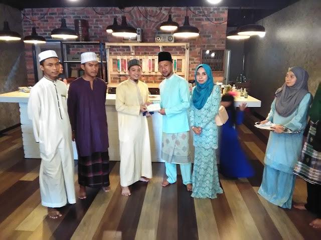 Sumbangan turut diberikan kepada sekolah tahfiz