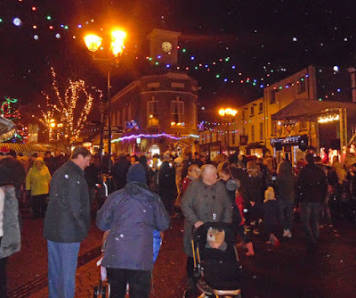 Brigg Christmas Lights switch on 2016, market, fair & late night shopping - picture 4 on Nigel Fisher's Brigg Blog
