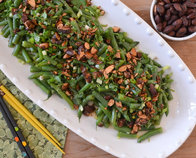 Fresh Green Bean Salad with Asian Dressing, another out-of-the-ordinary summer salad ♥ AVeggieVenture.com. Gorgeous Soy-Glazed Almonds. Potluck Favorite. Light Tasting But Hearty. Weight Watchers Friendly. Vegan. Low Carb.
