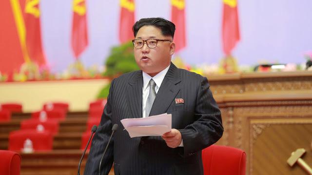"""Kim Jong-un castiga a dos altos oficiales del Ejército norcoreano por su """"actitud impura"""""""