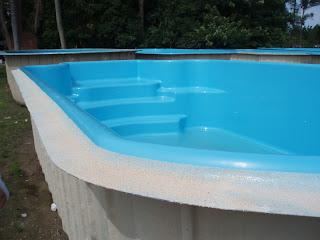 Tipos de piscinas azulejo vinil fibra projetos de for Fabricantes piscinas