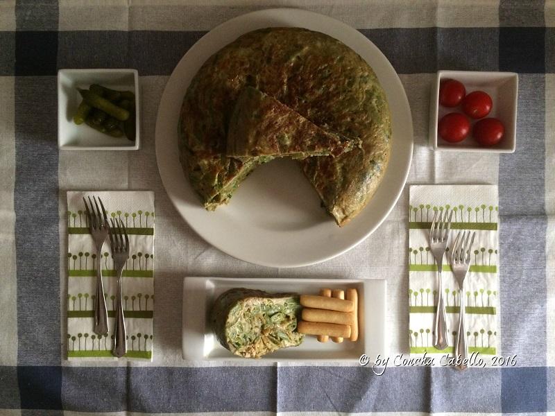 tortilla-alcachofas-judías-mesa