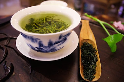 green tea on how to clear hormonal acne naturally