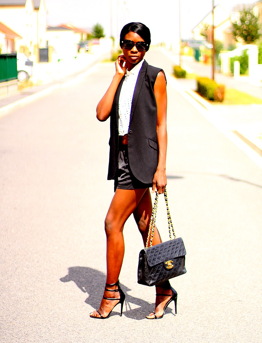 summer-suit-chanel-jumbo-xl-shorts-strappy-sandals-missguided-crop-top-sleeveless-blazer-