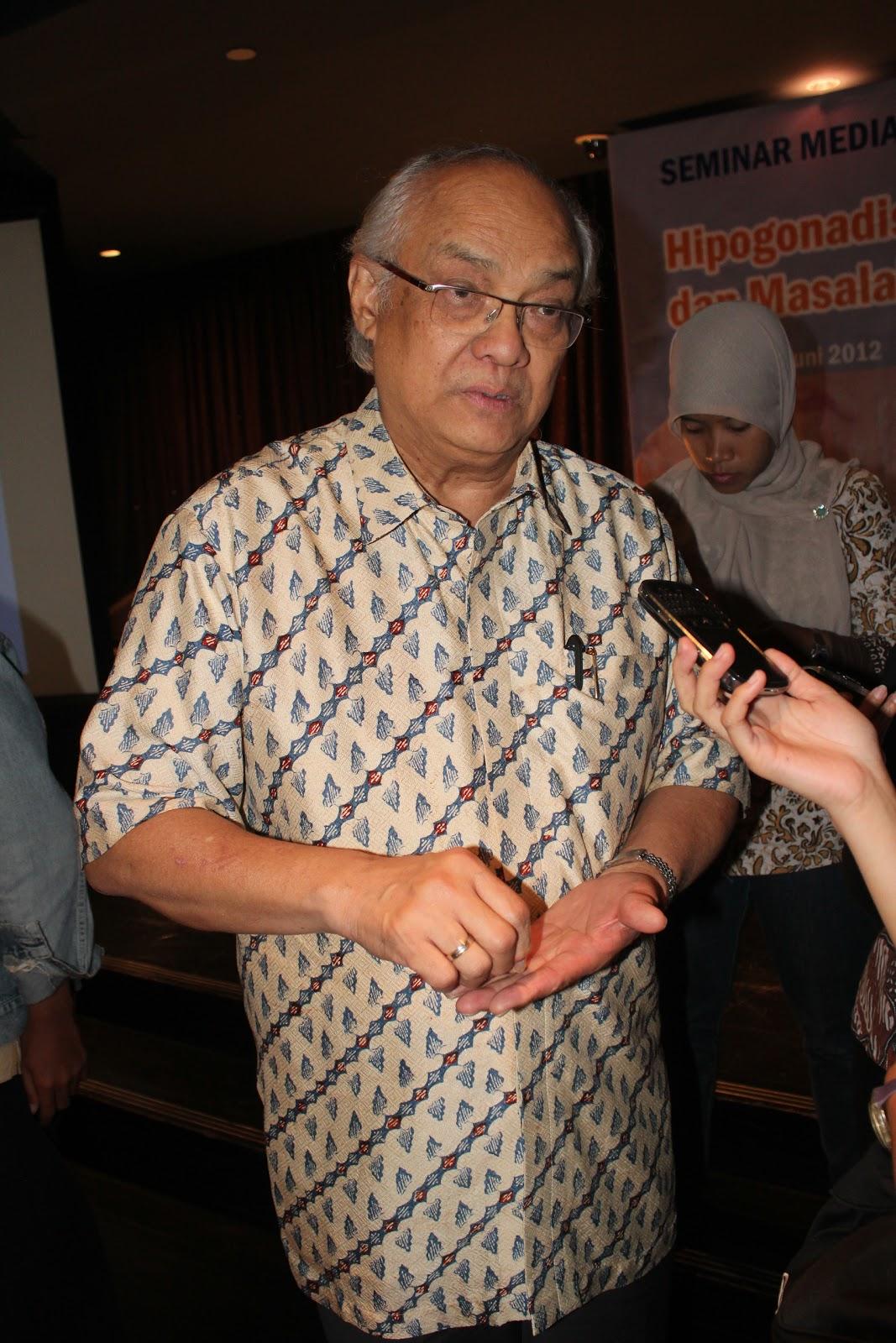 Ruang Periksa Dokter: Prof. Dr. Johan S Mansjhur, SpPD KEMD