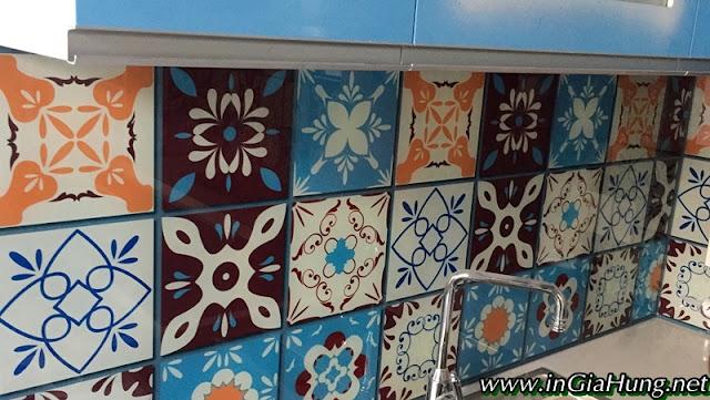 Thi công vách bếp kính cường lực in hoa văn gạch bông cực đẹp tại đường Trường Chinh, Tân Bình, TpHCM