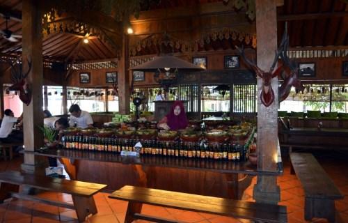 wisata kuliner dekat hotel ibis solo
