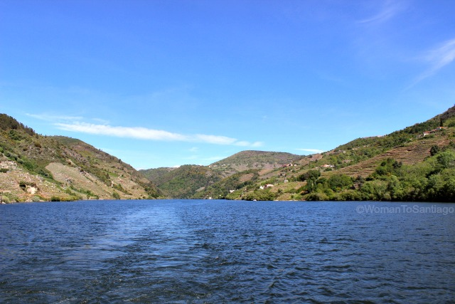 ribeira-sacra-camino-de-santiago-invierno-casa-rio-sil