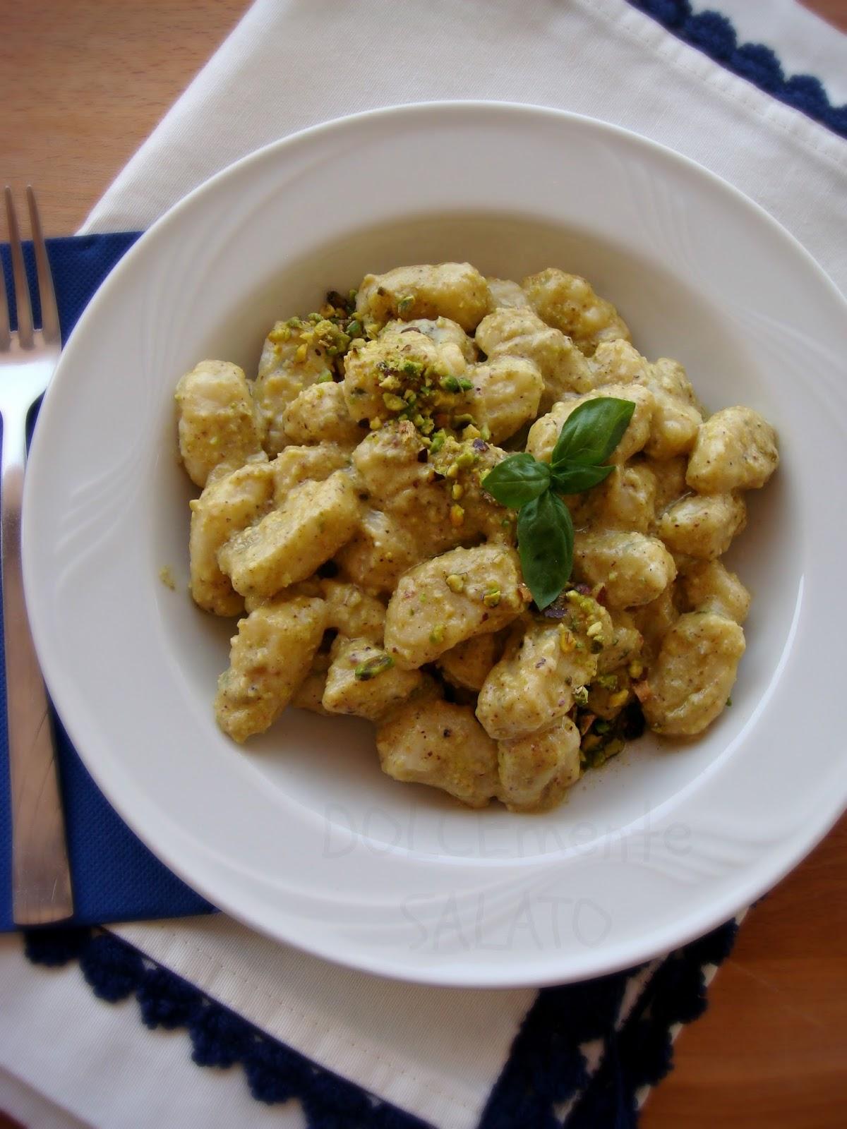Ricetta Gnocchi Ricotta Montersino.Dolcemente Salato Gnocchi Di Ricotta Con Pesto Di Pistacchio