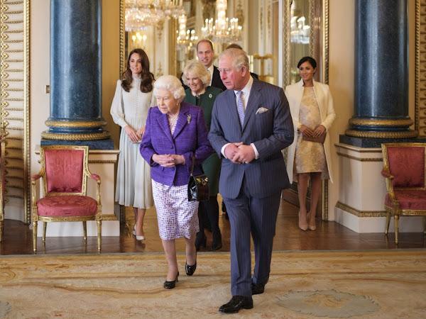 50 rocznica inwestytury księcia Karola na księcia Walii - przyjęcie w Pałacu Buckingham.