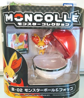 Fennekin figure with Pokeball Takara Tomy Monster Collection B series