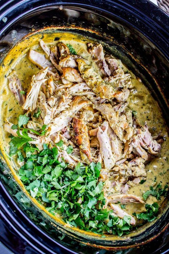 Slow Cooker Basil Chicken in Coconut Curry Sauce #slowcooker #basil #chicken #coconut #curry #sauce #soup #souprecipes #easysouprecipes #healthysoup