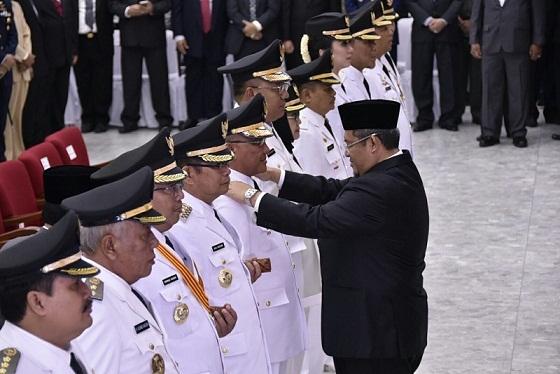 Ahmad Heryawan Lantik Walikota dan Wakil Walikota Depok