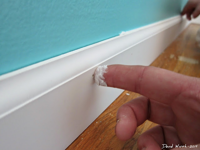 easy baseboard in stall, crown molding