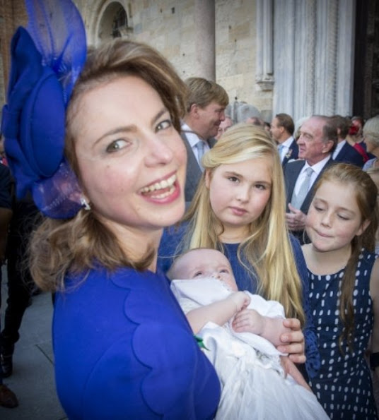 Princess Amalia, Princess Alexia and Princess Ariane, Queen Maxima wore Dolce and Gabbana Lace Dress.
