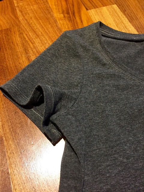 Diary of a Chain Stitcher: Charcoal Cotton Sewaholic Renfrew Tee