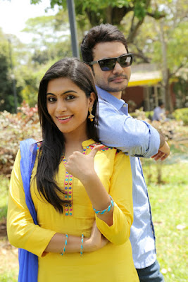 aalukku paathi 50 50 movie stills