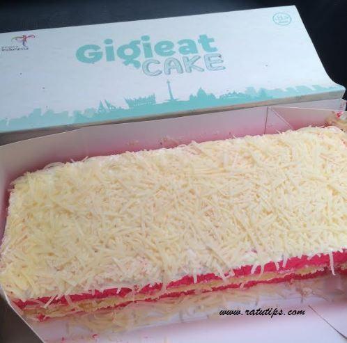 Review Gigi Eat Cake Cheezy Pink Cabang Serpong Tangerang, Menggigit!