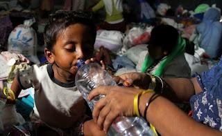 Menteri Sosial Kunjungi 2 Kabupaten. Salurkan Rp2,3 Miliar untuk Rohingya
