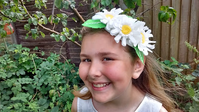 Top Ender wearing the Daisy Headband from Hobbycraft