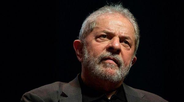 Juristas y abogados denuncian anomalías en el juicio de Lula