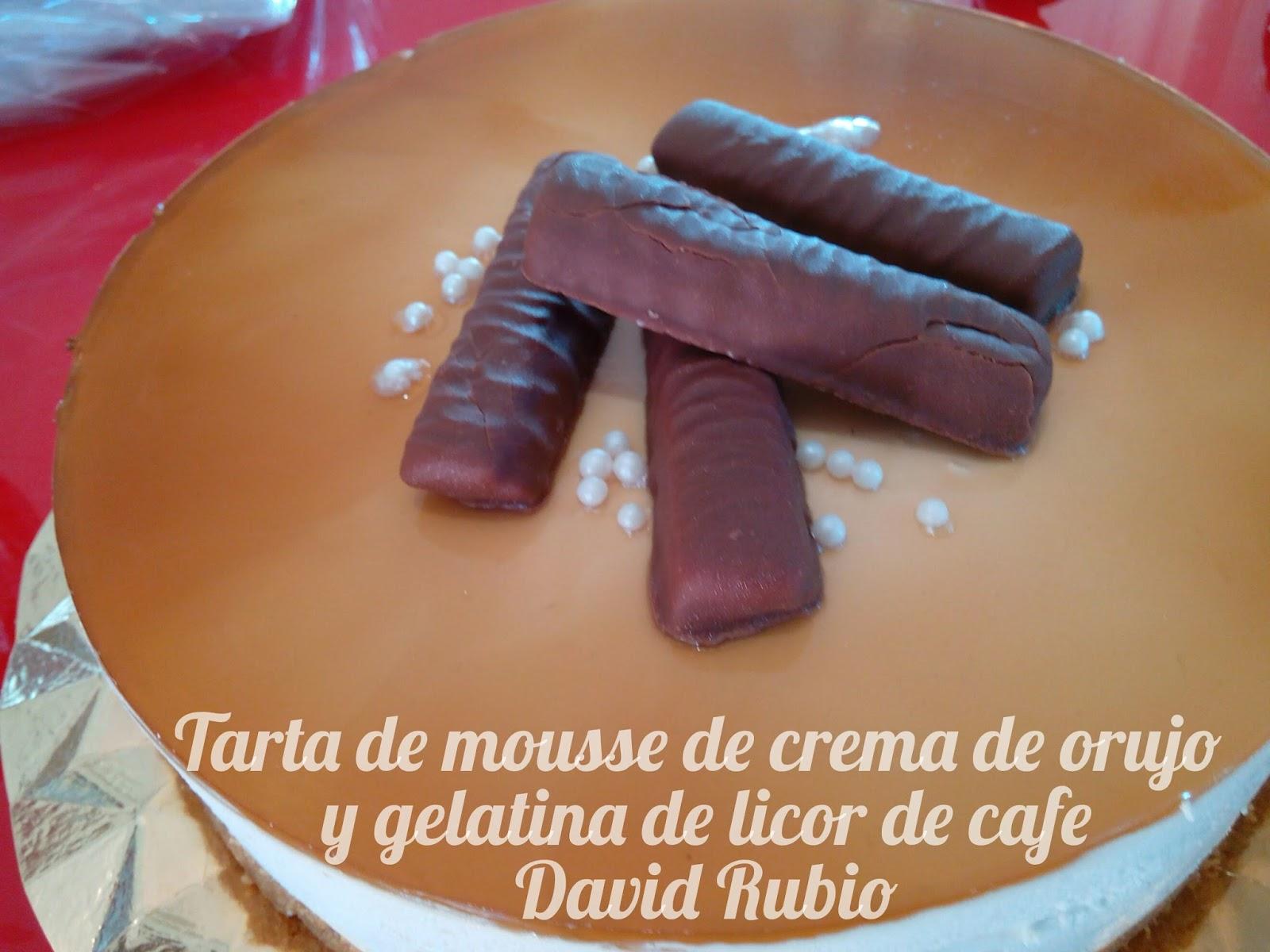 Tarta de mousse de crema de orujo y gelatina de licor de cafe