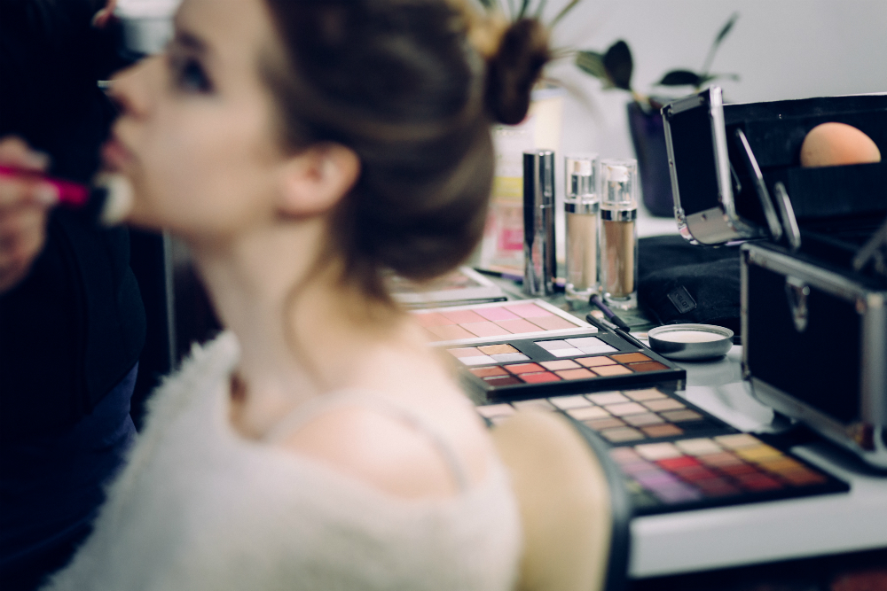 corso di make up base e correttivo tendenza a Modena