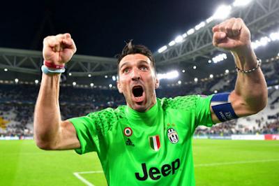 [Image: Juventus_2-1_Monaco%2B%25285%2529.png]