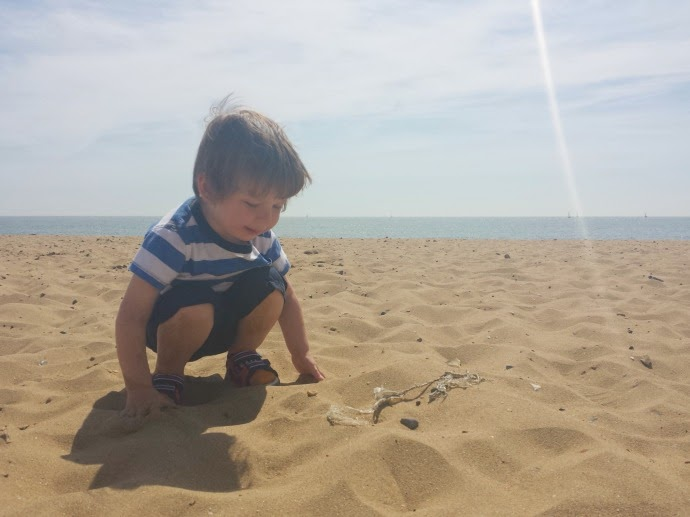 Ramsgate beach, the mummy adventure, toddler at the beach