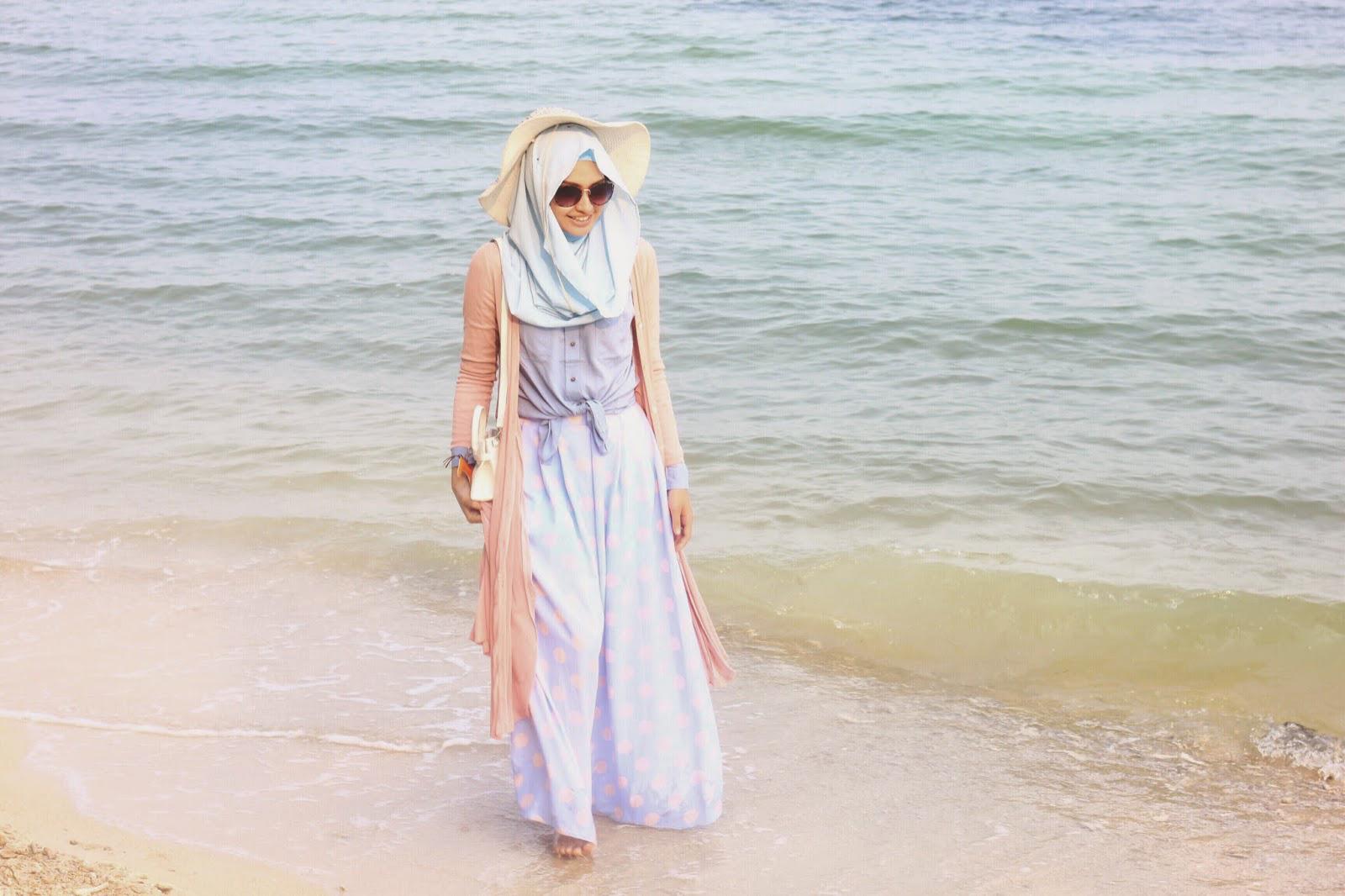 kostum pantai berhijab