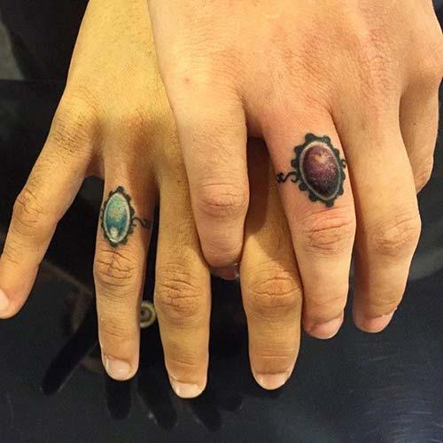 ring tattoo on finger yüzük dövmesi parmak