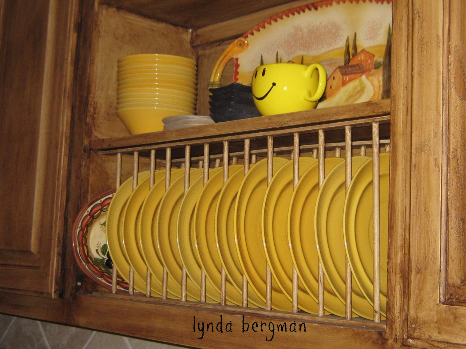 LYNDA BERGMAN DECORATIVE ARTISAN: HOW TO BUILD & INSTALL A PLATE RACK FOR A CABINET -TUTORIAL