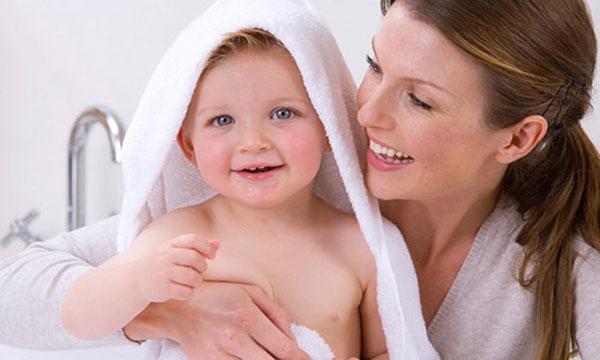 Image result for Tắm khi bé có những biểu hiện mệt mỏi
