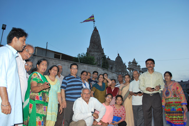 Travel mates @ Dwarkadheesh Temple