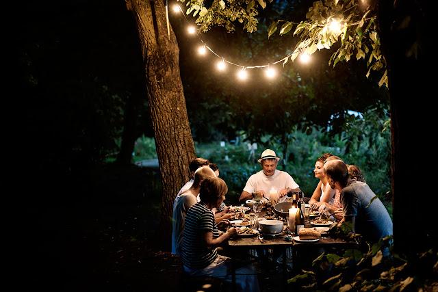 как устроить хюгге обед ужин, хюгге в саду, хюгге на даче, хюгге встреча - DayDreamer Blog