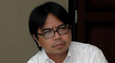 Aktivis Islam Liberal dan Dosen Universitas Indonesia (UI) Ade Armando, kembali membuat pernyataan kontroversial. Ade mengusulkan agar negara menyetop penyelenggaraan haji dan umroh karena kegiatan sakral umat Islam itu dinilai pemborosan.