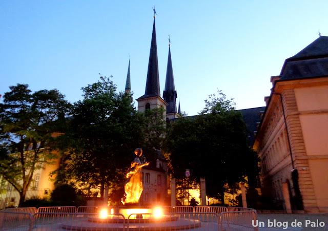 Vistas de la Catedral desde la plaza Clairefointane