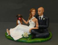 statuina torta cake topper romantico sposi seduti con cane orme magiche