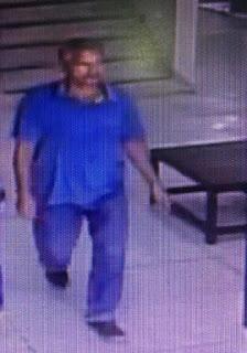 Homem furta celular em Quiosque do Shopping Magário em Registro-SP