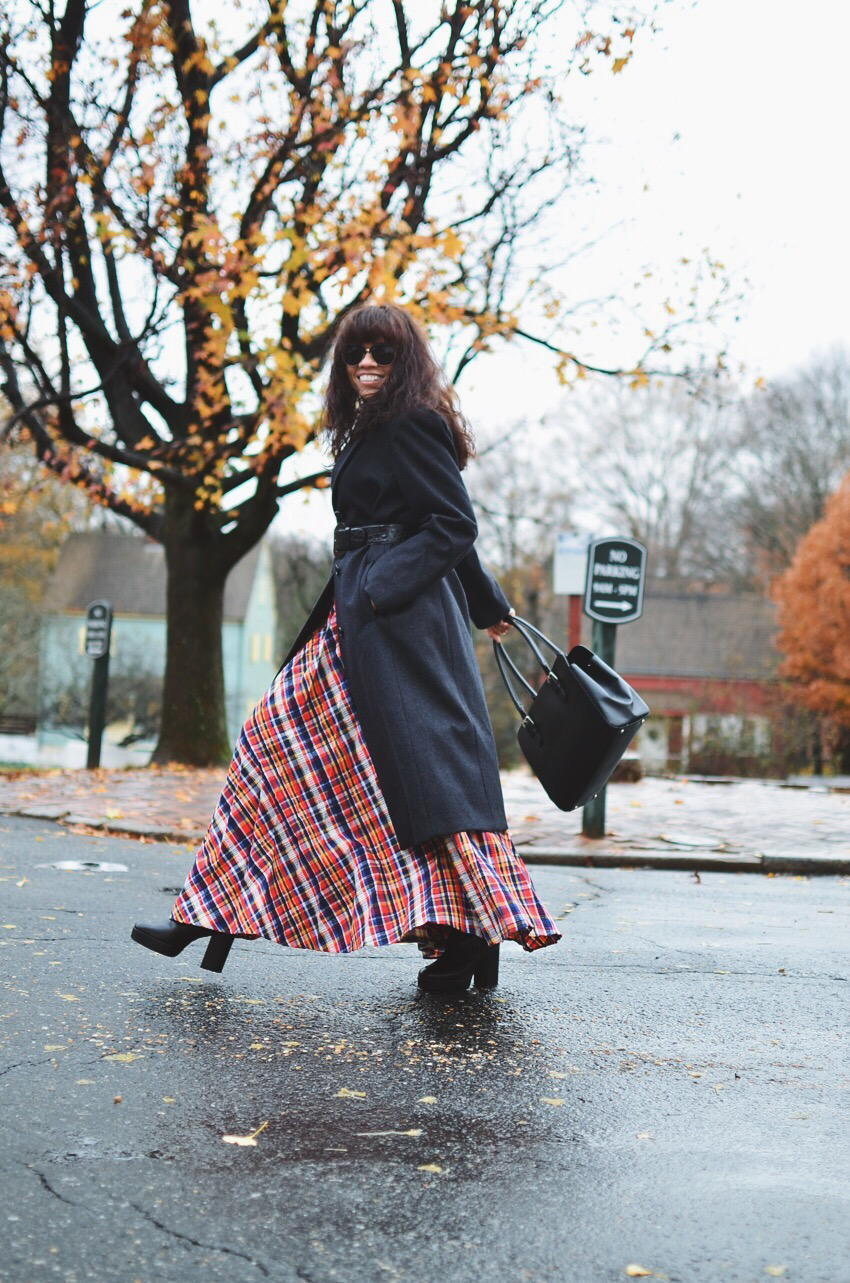 How to wear a maxi skirt if you are petite