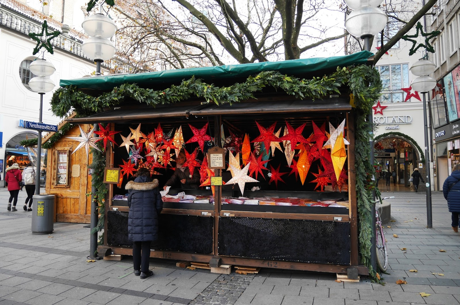 A souvenir stall at the Munich Christmas Markets
