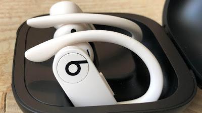 airpods, PowerBeatsPro wireless beats the earphones, gadgets, Power Beats Pro, PowerBeats, wireless beats, tech, technology, news, earphones, headphon, apple, earpods, PowerBeats Pro wireless Earbuds,